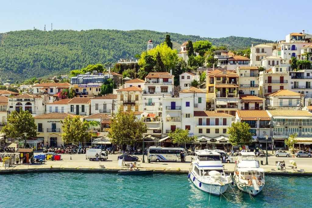 hotels in skiathos