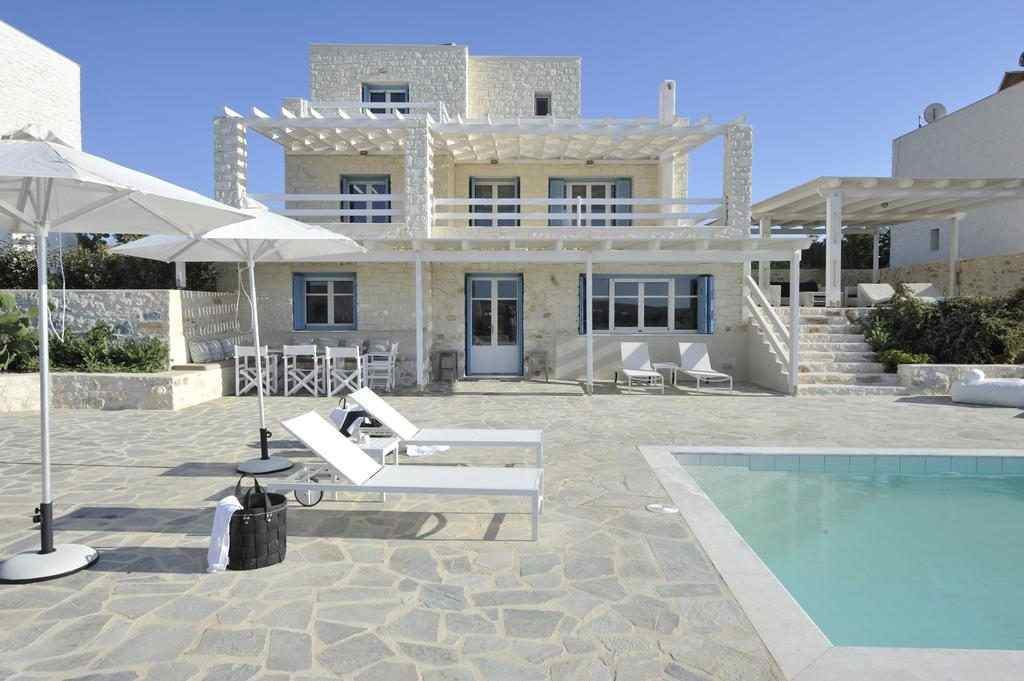 the ambassador seaside villas near santa maria beach and naoussa,ambassador seaside villas paros reviews,ambassador sea side villas paros