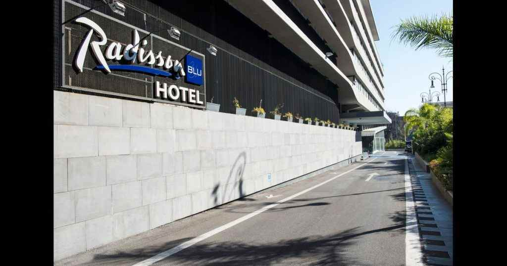 radisson blu delhi contact number,radisson blu dwarka address,radisson blu dwarka review