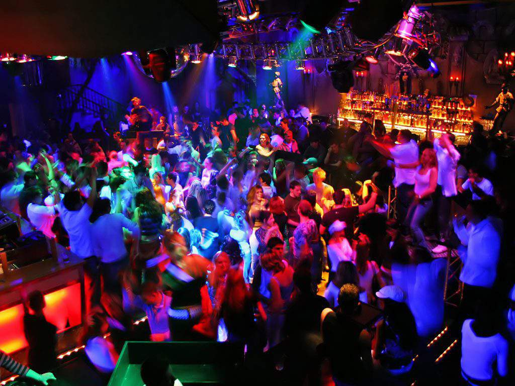 best dance club santorini, best dance clubs in santorini