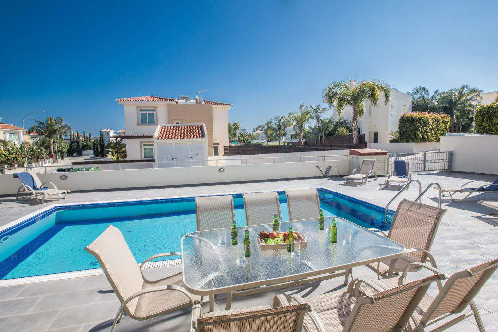 delfini villas reviews,delfini villas booking com,delfini villas oia tripadvisor
