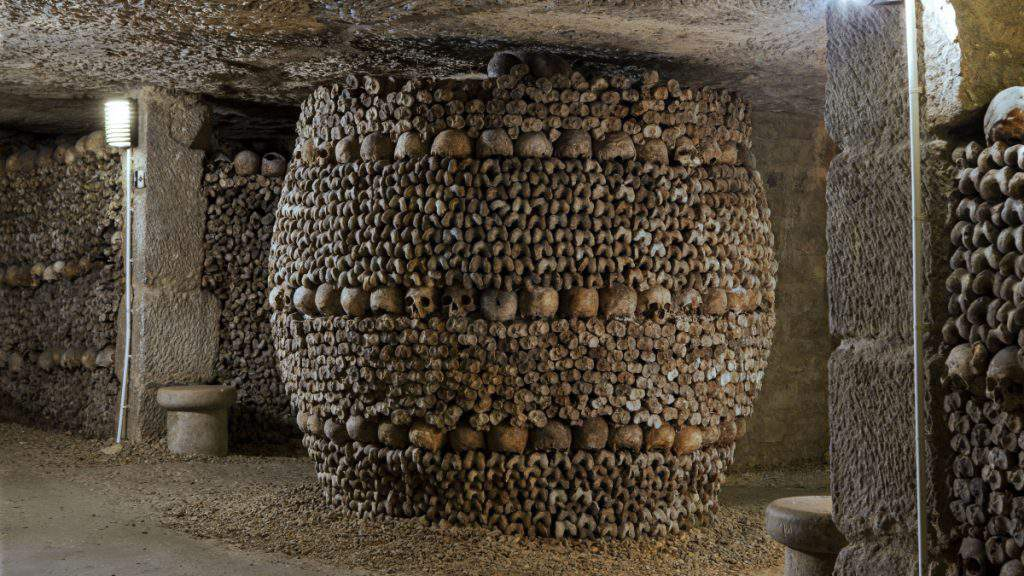 catacombs at night,catacombs address,catacombs paris tickets