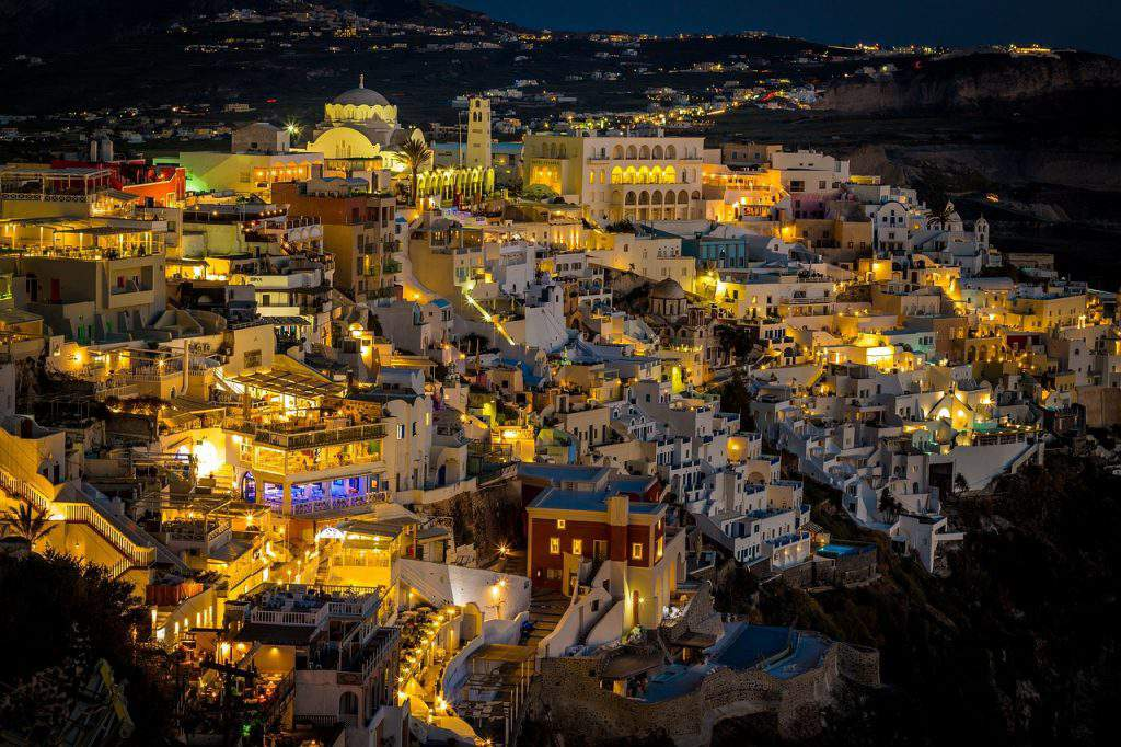 places to party in fira,where to party in fira santorini