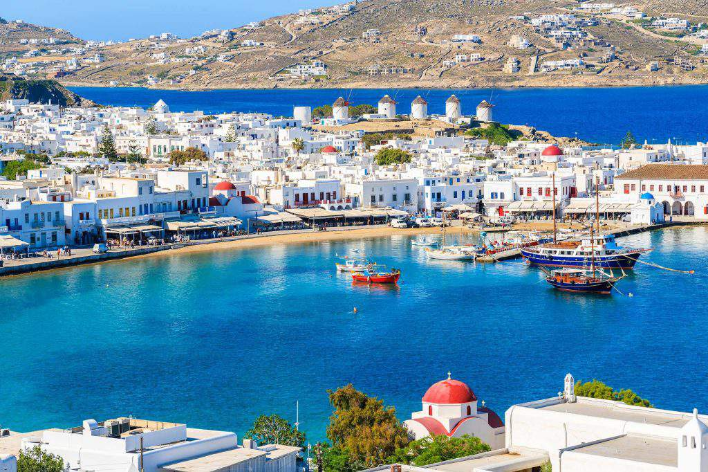 best party places mykonos, best places around mykonos, best places to stay in mykonos on a budget