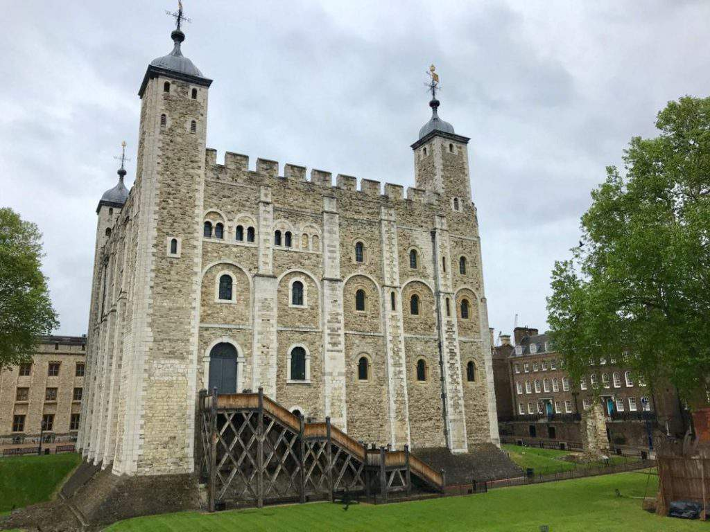 The Tower of London, the tower of london tour, the tower of london hours