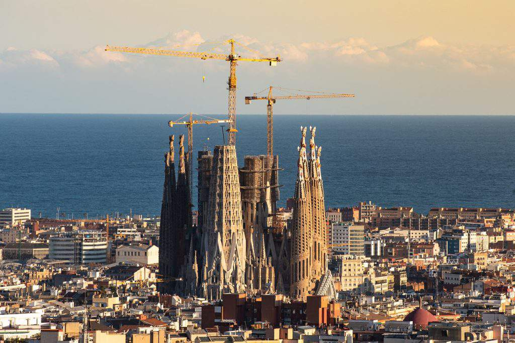 when to visit barcelona spain